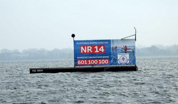 Spór o platformy bezpieczeństwa na szlaku Wielkich Jezior Mazurskich.